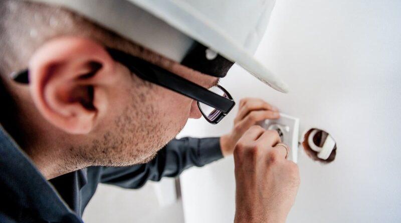Come si diventa elettricisti: il percorso completo
